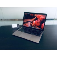 MacBook Air 13 Retina 2018 (16/256Gb)